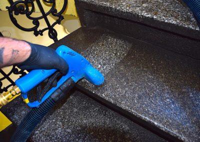 Čištění schodů 02