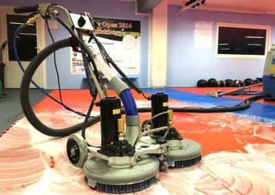 Čištění sportovních podlah 04